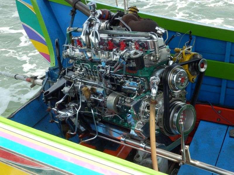 hier werden Bootsmotoren getunt