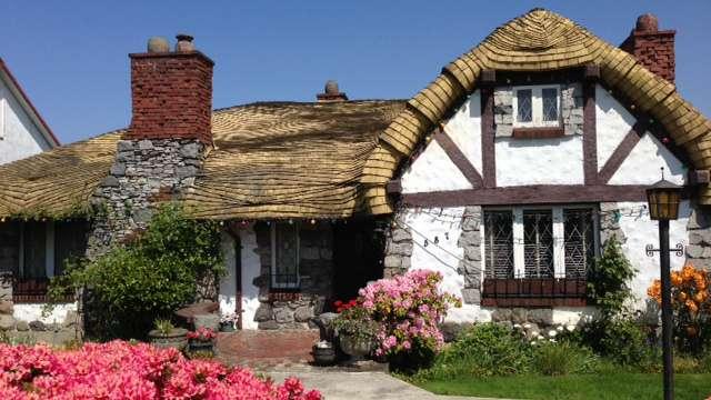 vancouver 39 s hobbit house is for sale for 2 860 000. Black Bedroom Furniture Sets. Home Design Ideas